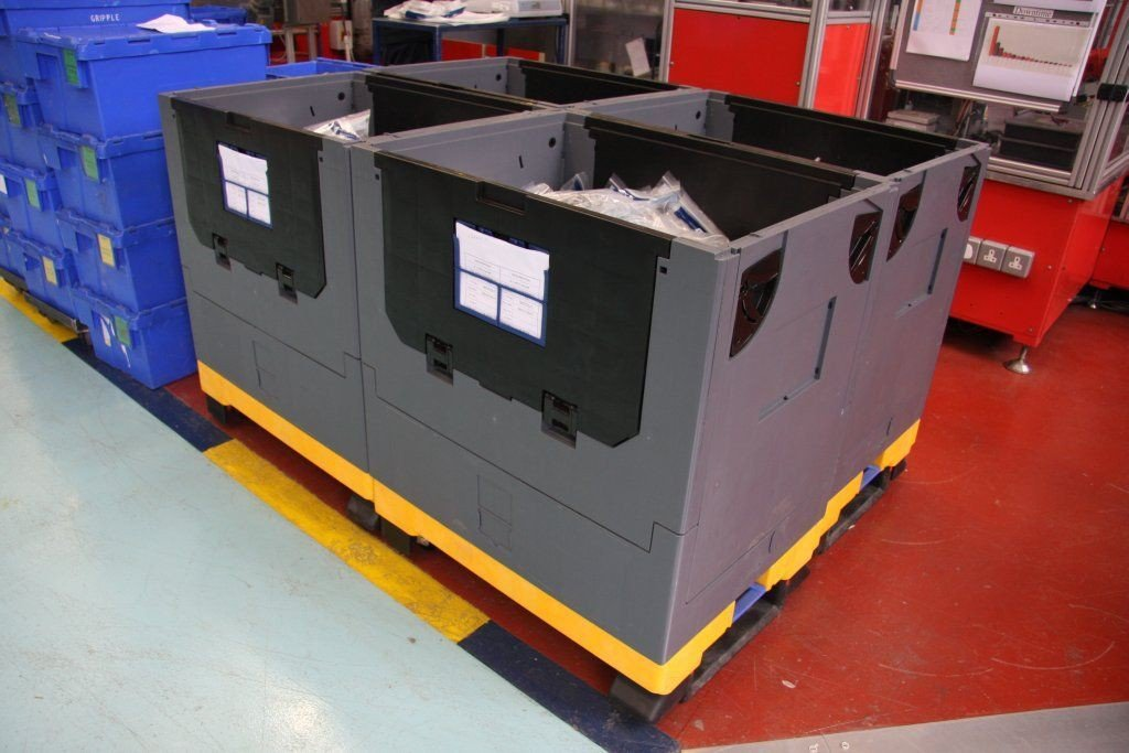 Kokoontaittuva kuormalavalaatikko pyörillä 800x600x910